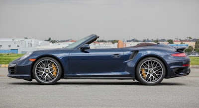 Porsche 911 Turbo S Cabriolet communications and audio