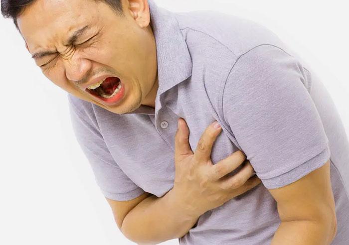 Serangan Jantung Pasti Selalu Terlihat Menyiksa