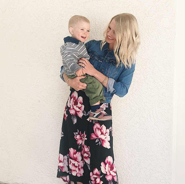 Thrifty Wife, Happy Life || Trendy effortless fashion for moms with Pink Blush