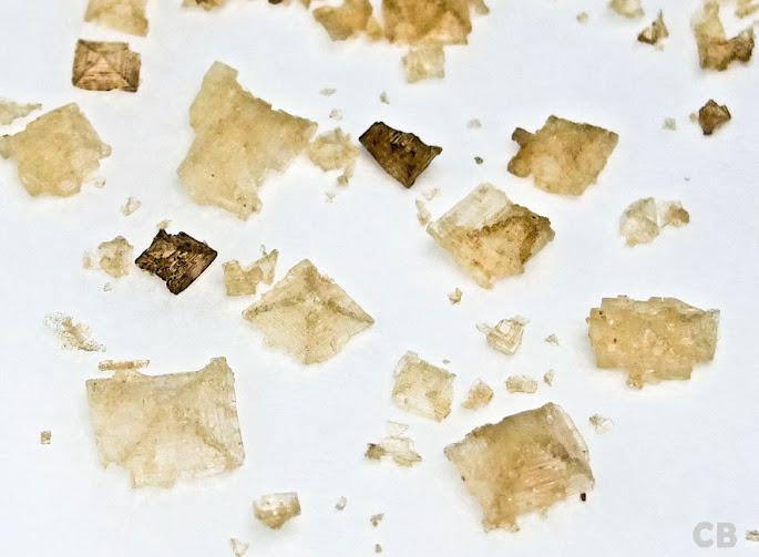 Zie je de mooie piramides van de gerookte zoutvlokken?