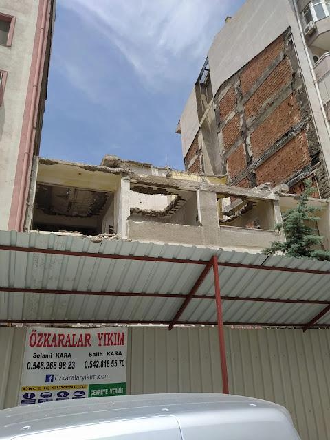 elle bina yıkımı nasıl yapılır? incelikleri nelerdir?