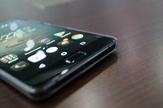 Review Lenovo P2 Ponsel Pintar Dengan Baterai Super Badak