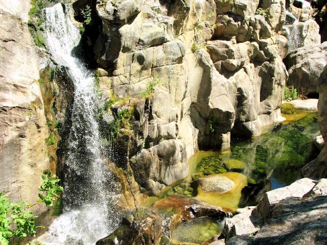 queda d'agua no parque do Geês