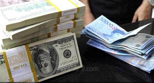 Bank Jual Dolar Sudah Tembus Rp 16.000, Simak Daftarnya