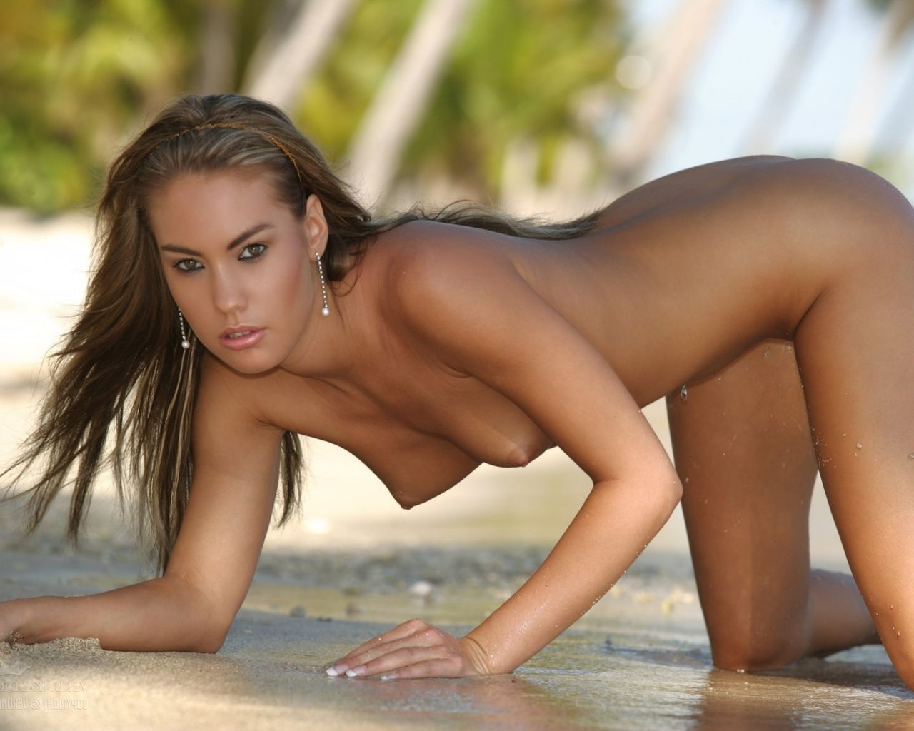 Emily Nude In Nude Emily