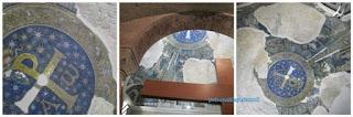Particolari del mosaico blu e oro con stelle con scene tratte dai Vangeli