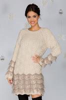 Rochie Dora bej din tricot cu franjuri