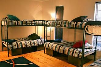 Kelebihan dan Kekurangan Penginapan Dorm Room