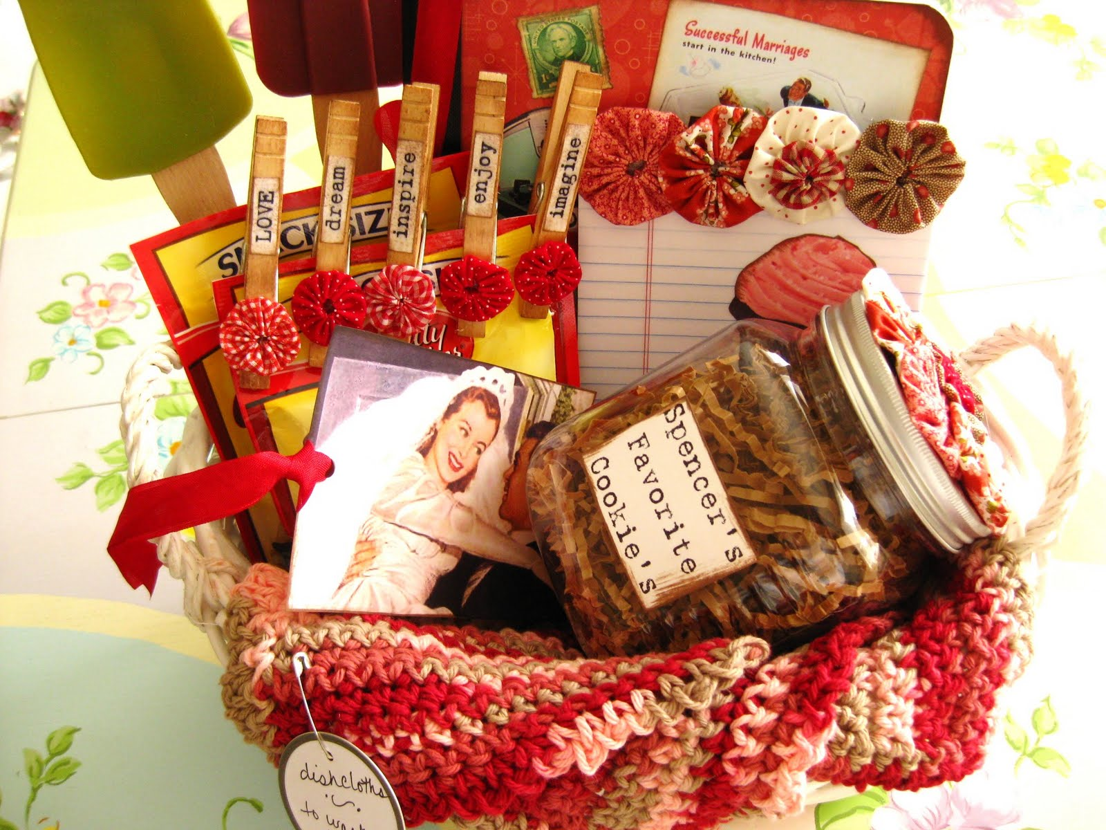 The Beehive Cottage: Bridal Shower Gift Ideas!