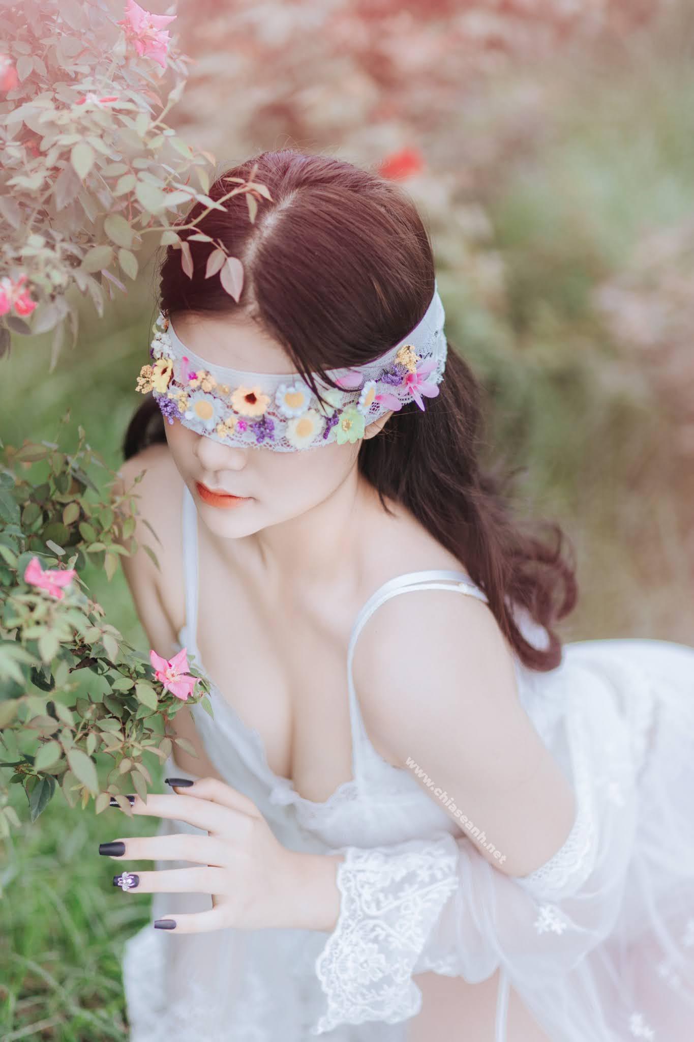 Nụ cười toả nắng khiến bao chàng trai, cô gái 'gục ngã' trước vẻ đẹp tựa nàng thơ - Lê Phương Thảo