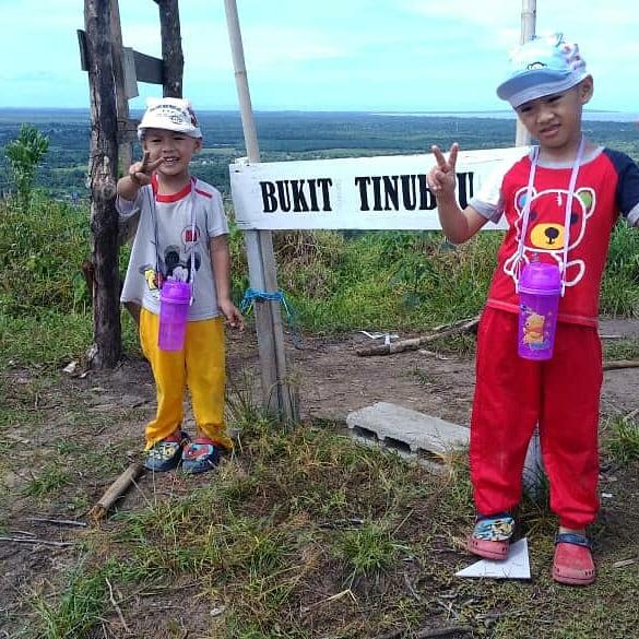 Iman & Amin menjejaki Bukit Tinubau