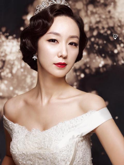 Trang điểm cô dâu tuổi 30 theo phong cách sang trọng, quý phái