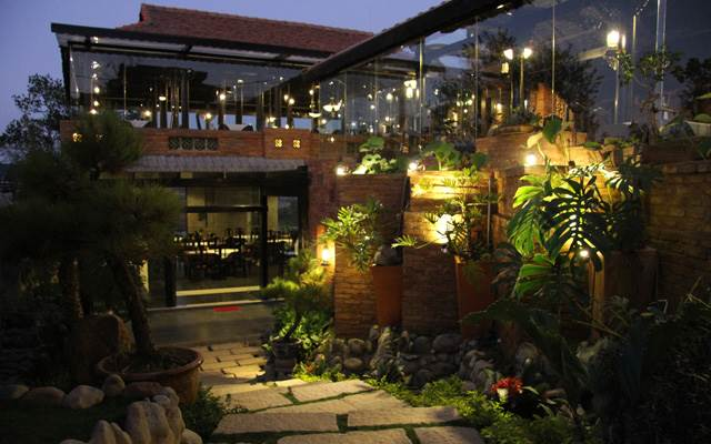 Nhà hàng Sông Mây
