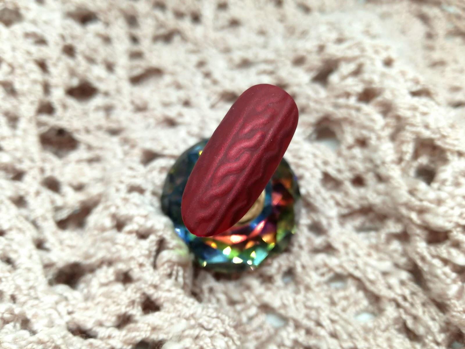 sweterkowe paznokcie zwykłym lakierem
