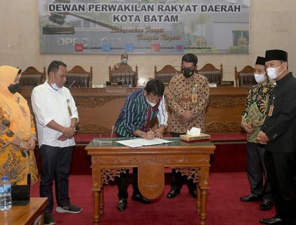 Perubahan Perda No.10 Tahun 2016 , Akhirnya Disepakati DPRD Batam