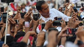 Bukannya Untung, Buzzer Pro Pemerintah Justru Bikin Jokowi-Maruf Buntung