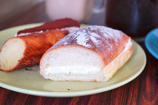 DSC06211 - 梧棲麵包店│從騎三輪車擺攤沿街叫賣到開店面的三輪車麵包坊