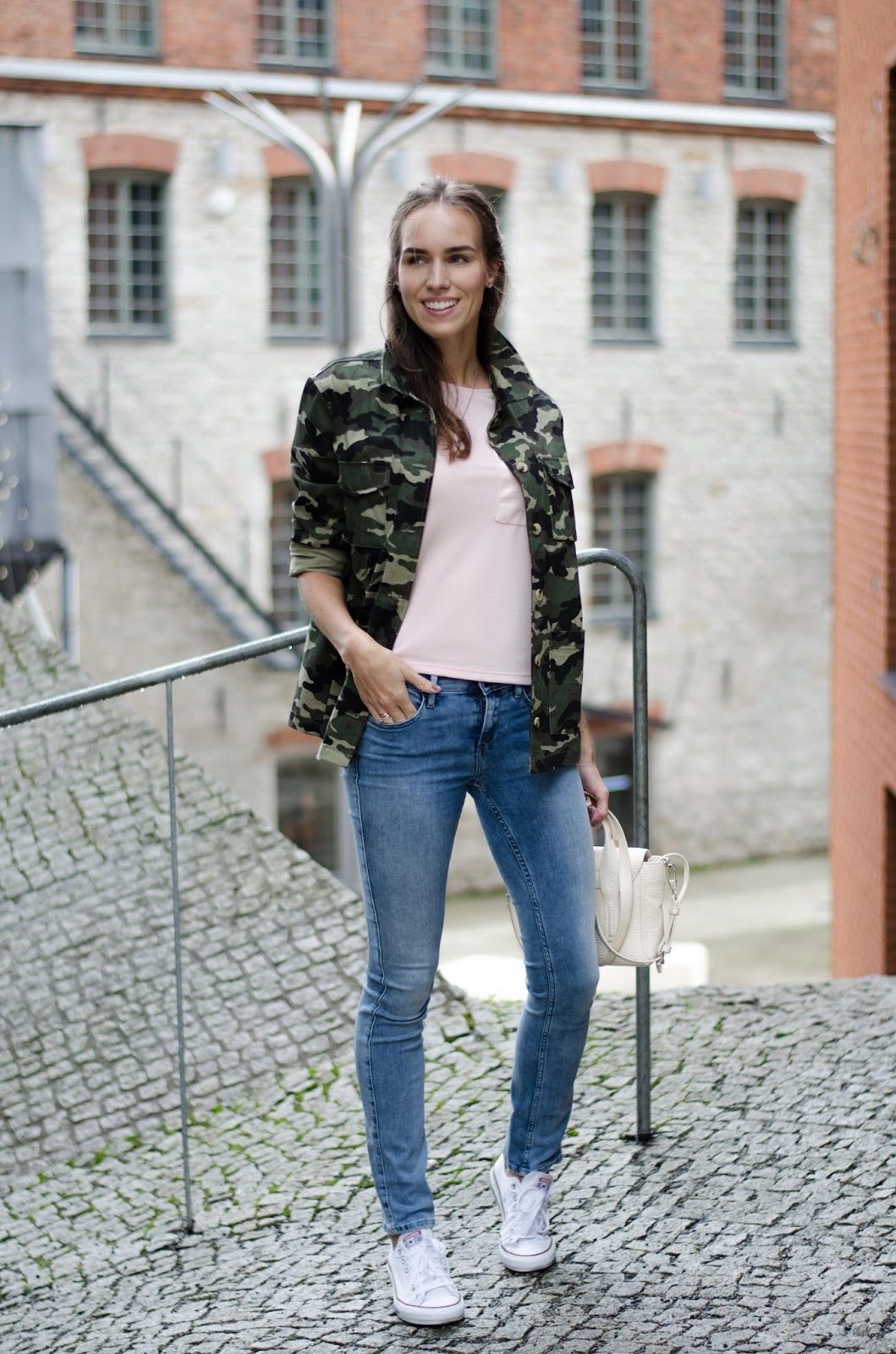 camo jacket outfit jeans