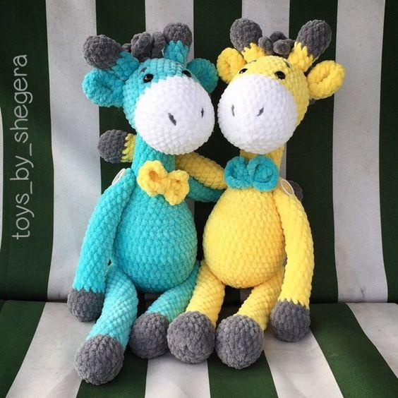 Mini Girafa Receita de Amigurumi de Crochê por Little Bear Crochets   564x564