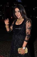 Sakshi Agarwal looks stunning in all black gown at 64th Jio Filmfare Awards South ~  Exclusive 005.JPG