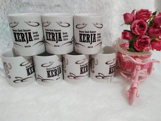 souvenir mug promosi