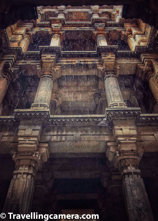 Above photograph is probably clicked from 2nd level of the stepwell from bottom. Each floor is spacious and at times it's hard to guess how many floors you need to go down to see water-body.