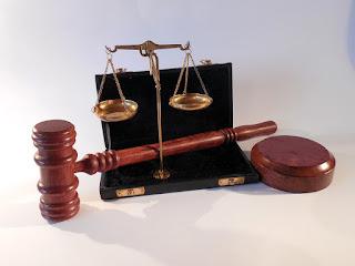 Prescrição de título judicial transitado em julgado contra a Fazenda Pública, segundo STJ.