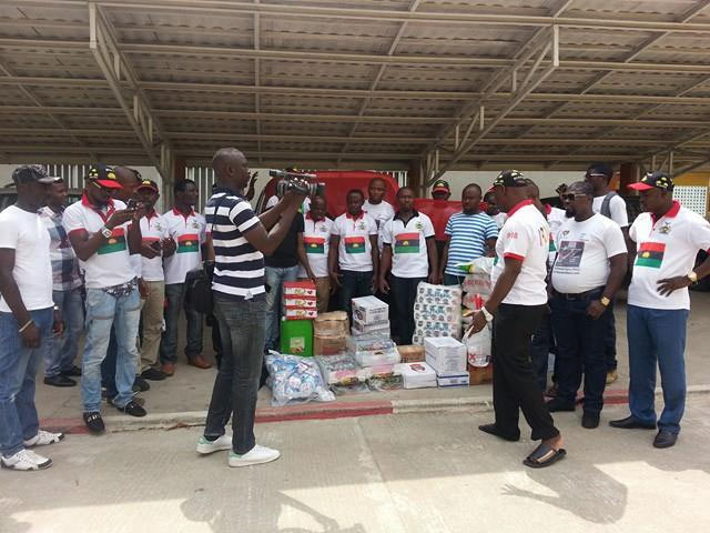 Biafrans storm Ivory Coast with food items for less privileged