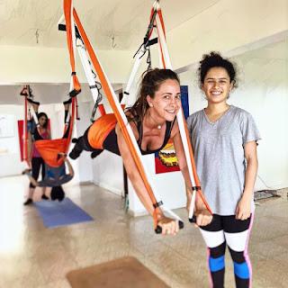 yoga aerien, yoga aereo, air yoga, aerial yoga, fly, flying, stage yoga, formation yoga, formation yoga aerien, enseigants, formation professionnelle, sante, bienetre