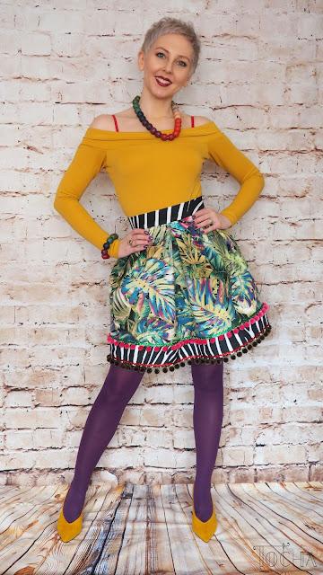 upholstery, velour, zebra, tropical, leaves, monstera, pleated skirt, double folds, pompoms, ricrac, spring, Tkaniny Karoliny, vegan fashion