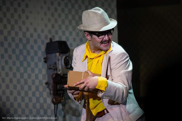 Kapitan Żbik i Żółty Saturator Teatr Syrena zdjęcia Albert Osik
