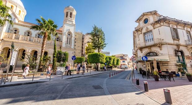 Tạo sao chọn định cư gia đình đến Cộng Hòa Síp