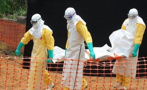 Retiran a un hombre muerto por el virus del Ébola