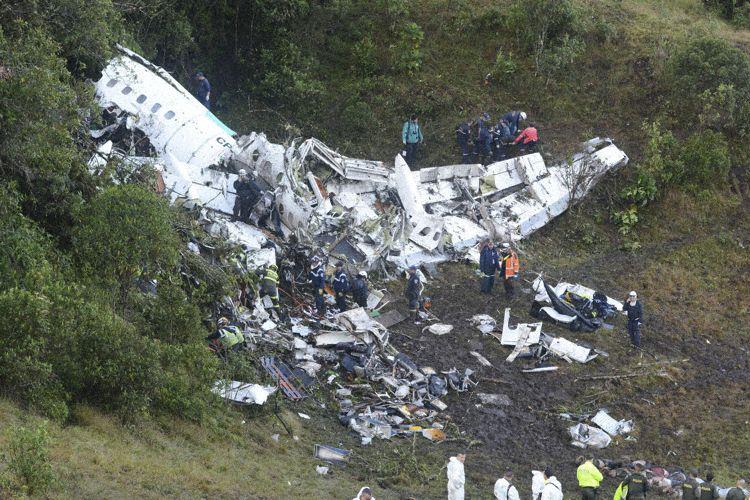 Destroços principal (Foto © AP / Luis Benavides):