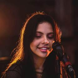 Baixar Música Te Amo Jesus - Amanda Loyola Mp3
