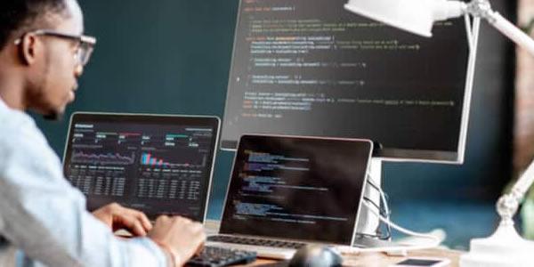Por que as linguagens de programação mais usadas também são as mais impopulares?