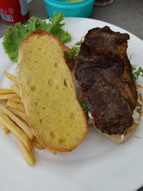 Puncak Kedah Restaurant, Gunung Jerai, tourism, food, where to eat in Kedah, good food, malaysian food, western food malaysia,