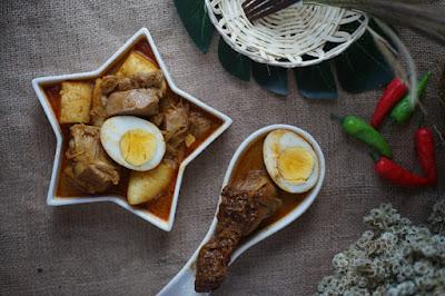 Lontong sayur Rekomendasi Kuliner di Kaira Kitchen
