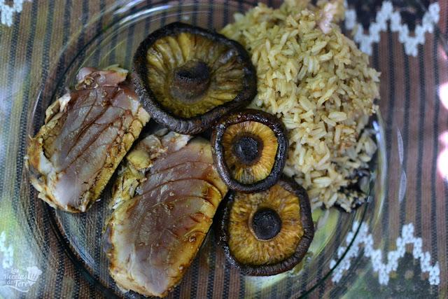 receta fácil tataki de atún rojo con arroz y setas a la plancha 01