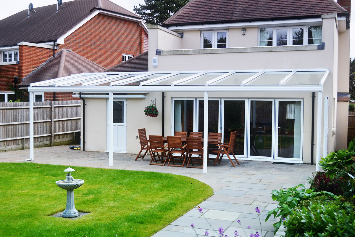 How To Enhance Your Garden With A Patio Awning?