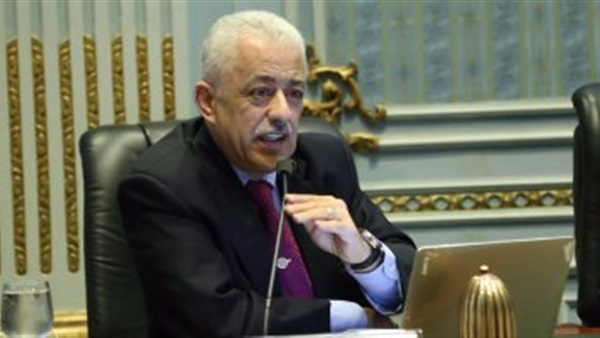 طارق شوقى يصدر قرارا وزاريا يدخل الفرحة العارمة على المعلمين قبل عيد الاضحى