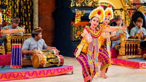 Semangat Komunitas Perempuan Pelestari Budaya dalam Melestarikan Budaya Indonesia
