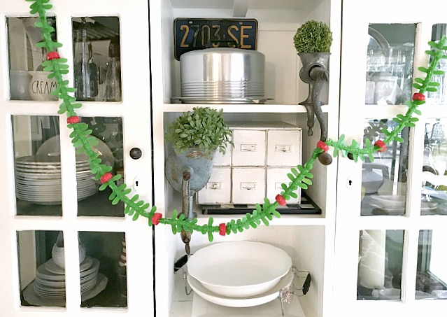 DIY Repurposed Christmas Garland
