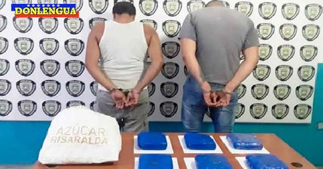 Dos detenidos con seis panelas de drogas en la avenida Alí Primera