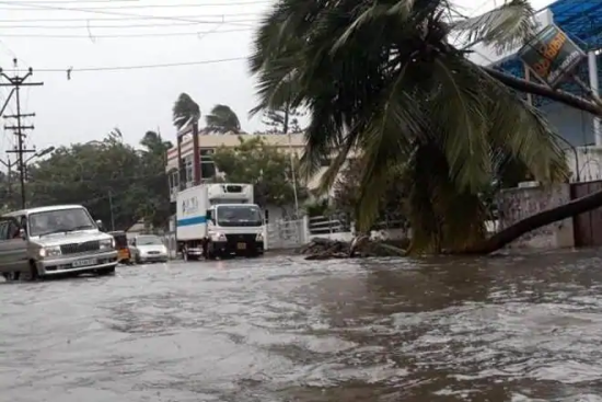 Cyclone+Watch+for+Gujarat+coast
