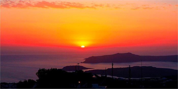 Il posto migliore per vedere il tramonto a Pyrgos (Santorini)