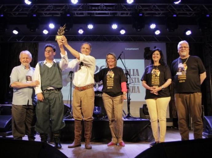 """Milonga """"Recorrendo Sonhos"""" conquista o primeiro lugar na etapa local da Tertúlia Musical Nativista"""