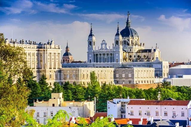 Travel from Madrid to Malaga