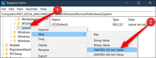 انقر بزر الماوس الأيمن فوق مفتاح النظام ، وحدد قيمة جديدة> DWORD (32 بت) ، ثم قم بتسميته DisableAcrylicBackgroundOnLogon