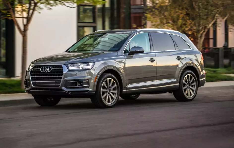 2019 Audi Q7 s-line, changes, price, ambient lighting, black